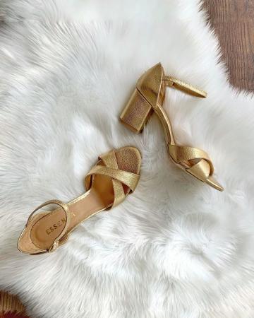 Sandale din piele aurie, cu toc gros3