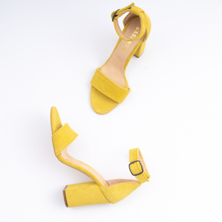 Sandale din piele intoarsa galbena, cu toc gros3