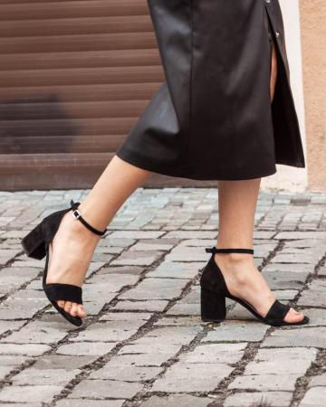 Sandale din piele intoarsa neagra, cu toc gros.6