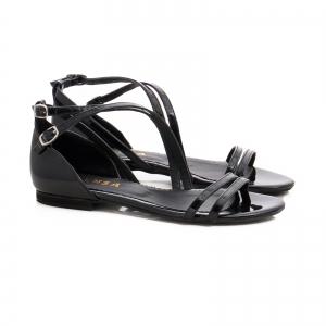 Sandale cu talpa joasa, din piele lacuita neagra1