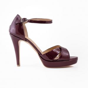 Sandale din piele lacuita visinie0