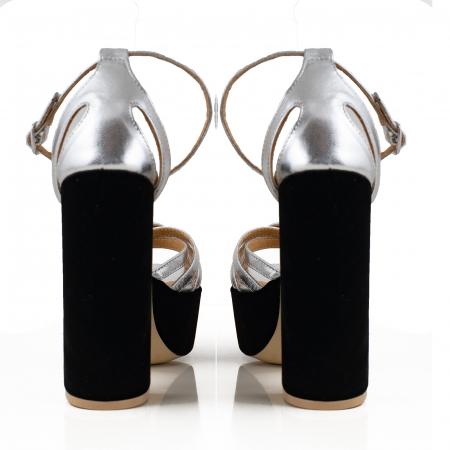 Sandale din piele laminata argimntie si catifea neagra, cu toc gros patrat si platforma2