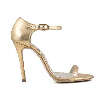 Sandale din piele laminata aurie0