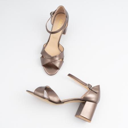 Sandale din piele laminata bronz, cu toc gros3
