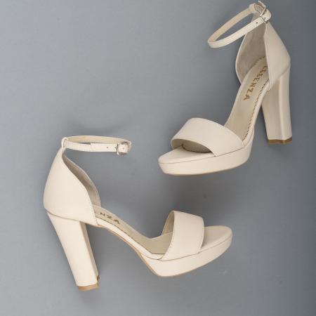 Sandale din piele naturala alb-unt, cu bareta deasupra gleznei, si toc gros3
