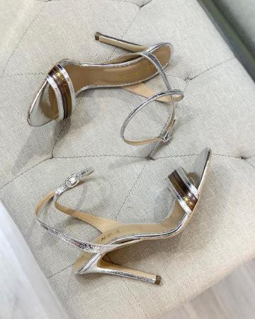 Sandale elegante din piele laminata, in nuante de argintiu si bronz, cu toc stiletto [2]