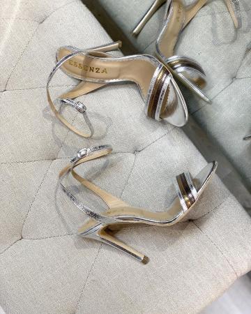 Sandale elegante din piele laminata, in nuante de argintiu si bronz, cu toc stiletto [1]