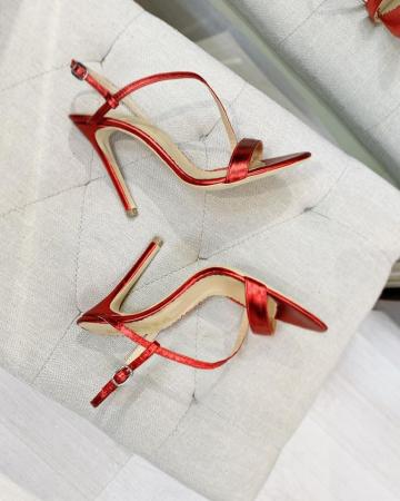Sandale elegante din piele laminata rosie, cu toc stiletto.2