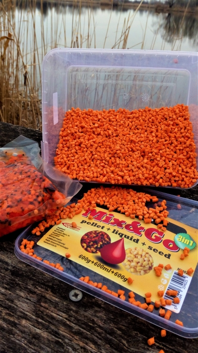 Timar Pelete MIX&GO Pellet Box 3 in 1 Capsuni (600g pelete + 600ml aroma + 600g seminte) 0