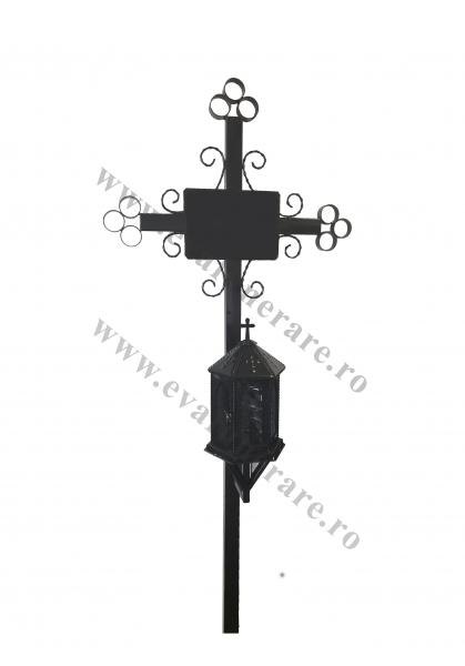 Cruce din metal cu felinar neagra 0