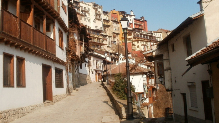 Veliko Tarnovo si Muzeul Etar 2021 I Excursie de 1 zi cu autocarul 2