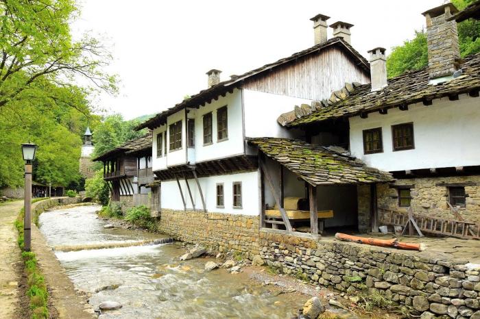 Veliko Tarnovo si Muzeul Etar 2021 I Excursie de 1 zi cu autocarul 6