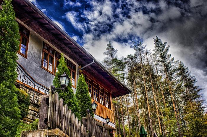 Veliko Tarnovo si Muzeul Etar 2021 I Excursie de 1 zi cu autocarul 5