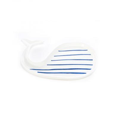 Platou ceramic decorativ, Balena, 25,5 x 11,5 x 2,5 cm