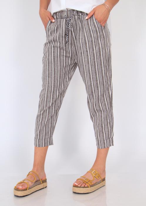 Pantaloni cu dungi fine 1