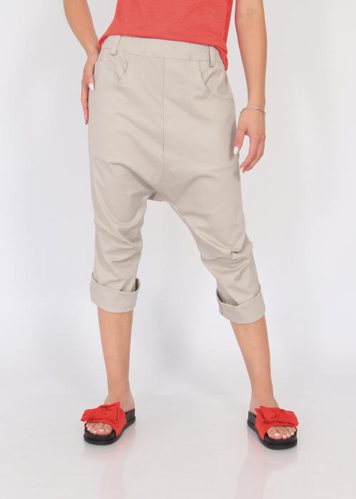 Pantaloni cu tur si pense 1