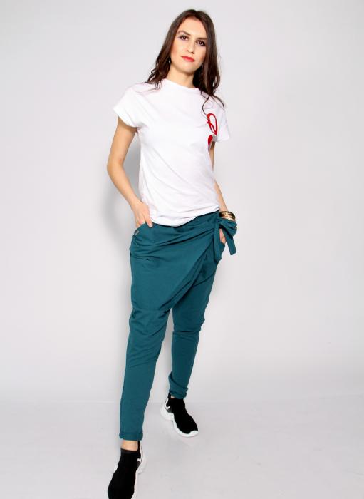 Pantaloni petrecuti in fata. 0