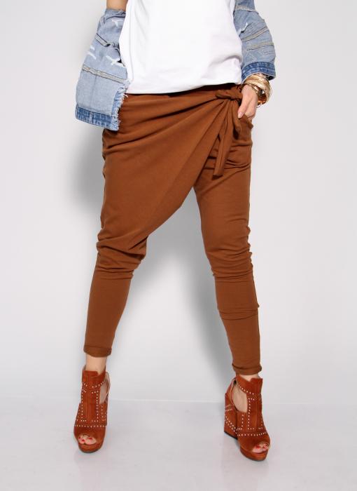 Pantaloni petrecuti in fata. 5