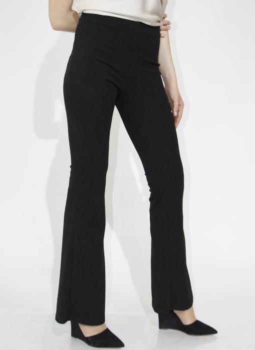 Pantaloni evazati 1