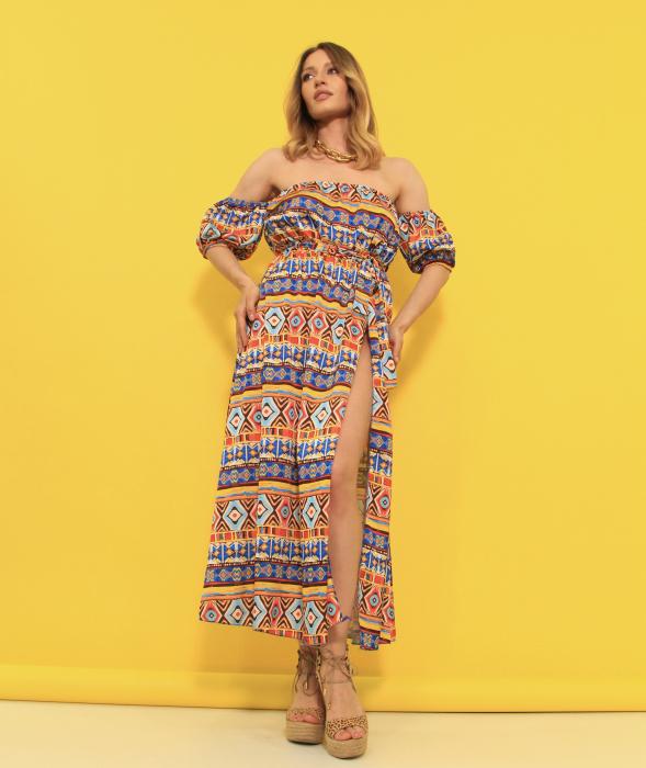 Rochie lunga pe umeri. [1]