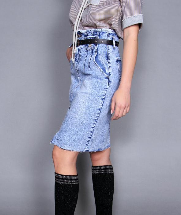 Fusta jeans si bluza 6