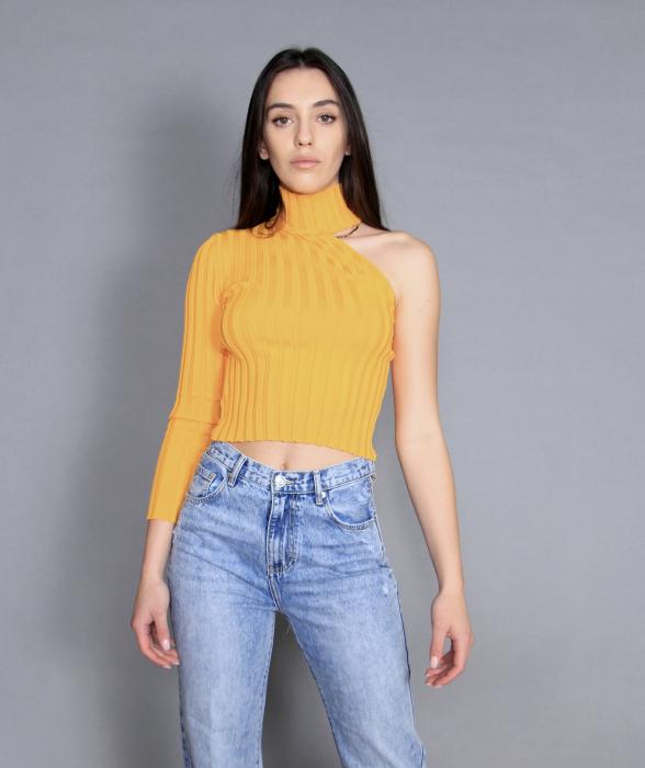 Geaca de fas, jeans si bluza [6]