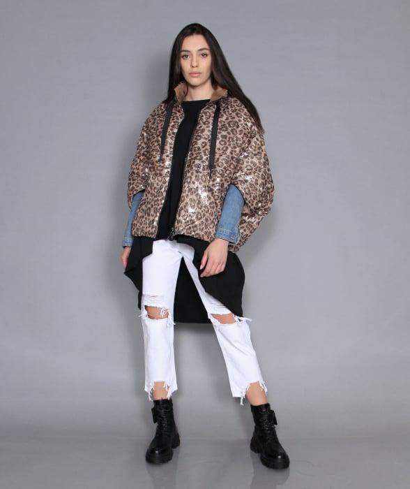 Jacheta, bluza si jeans. [1]