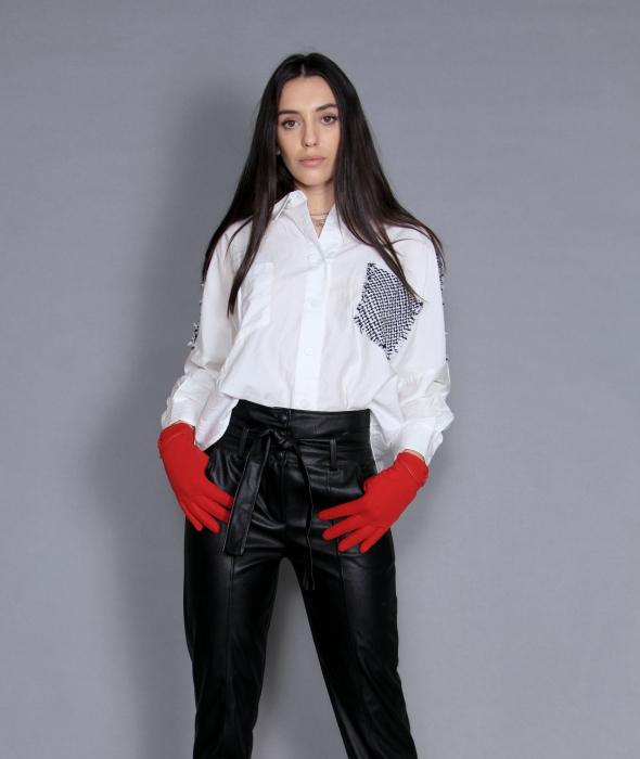 Geaca cu paiete, camasa si pantaloni . [5]