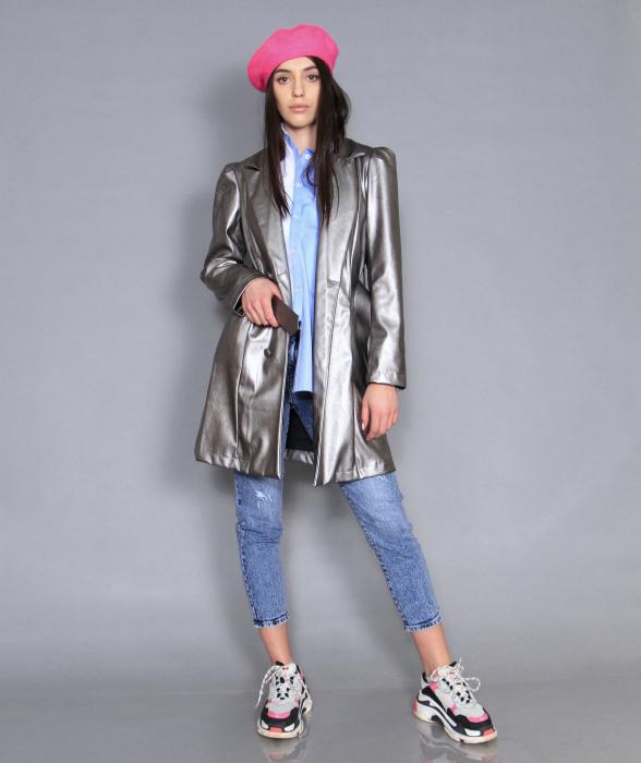 Jacheta piele ecologica, camasa si jeans. 0