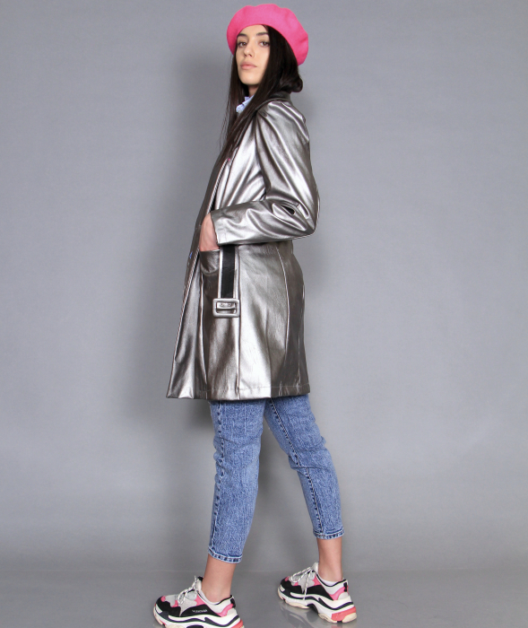 Jacheta piele ecologica, camasa si jeans. 1