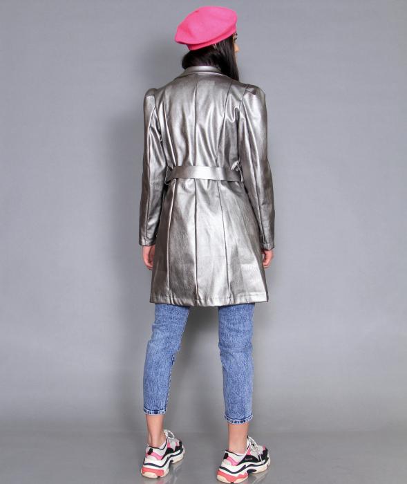 Jacheta piele ecologica, camasa si jeans. 2
