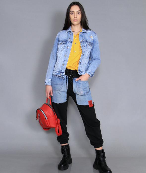 Jacheta din denim, pantaloni si camasa. [0]