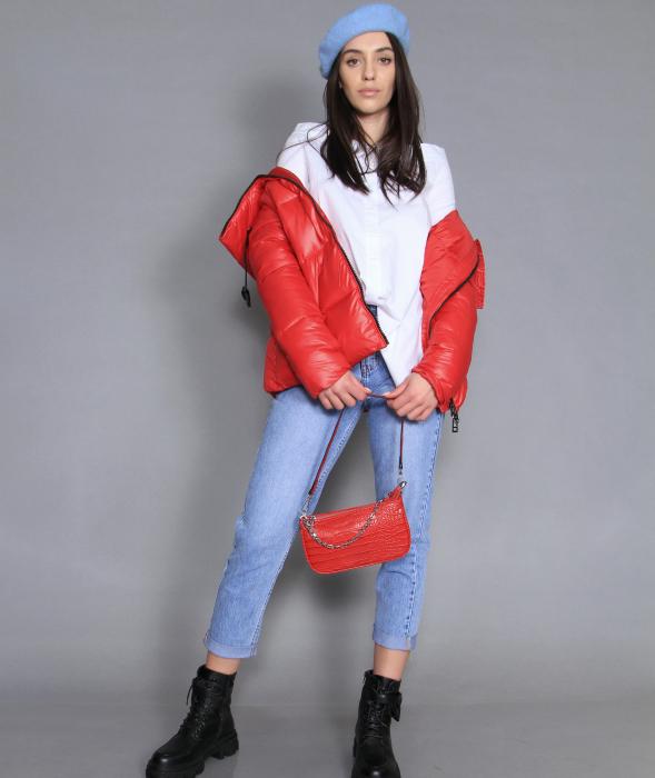 Geaca de fas, camasa si jeans. 0
