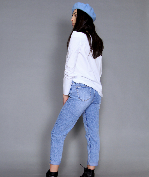 Geaca de fas, camasa si jeans. 8