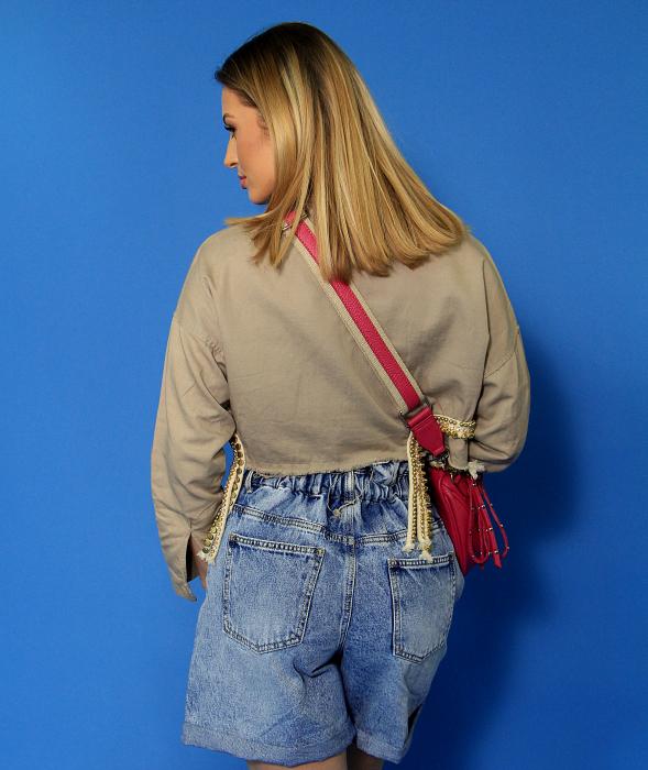 Jeans scurti, jacheta si maiou cu aplicatii. [4]