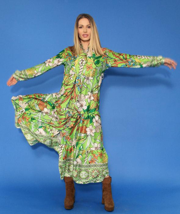 Rochie lunga cu imprimeu floral si sacou in doua culori. [3]