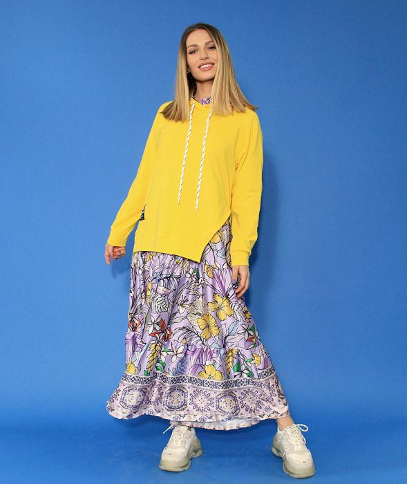 Hanorac cu gluga asimetric si rochie lunga imprimeu floral. 3