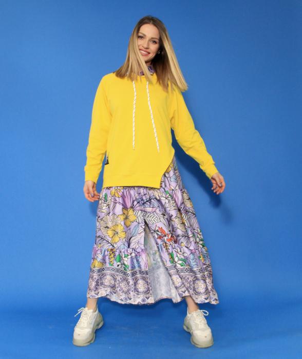 Hanorac cu gluga asimetric si rochie lunga imprimeu floral. 4