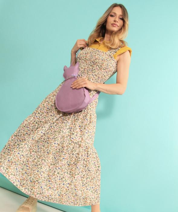 Rochie lunga cu bretele si geanta in forma de pisica. [1]