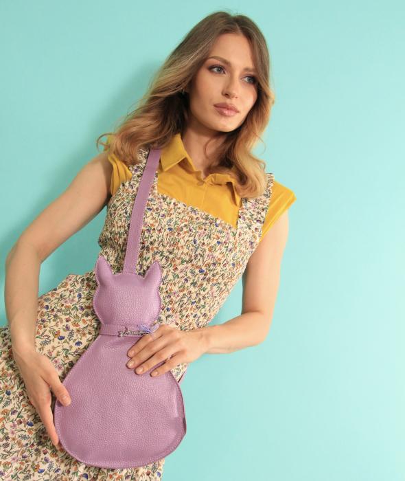 Rochie lunga cu bretele si geanta in forma de pisica. [4]