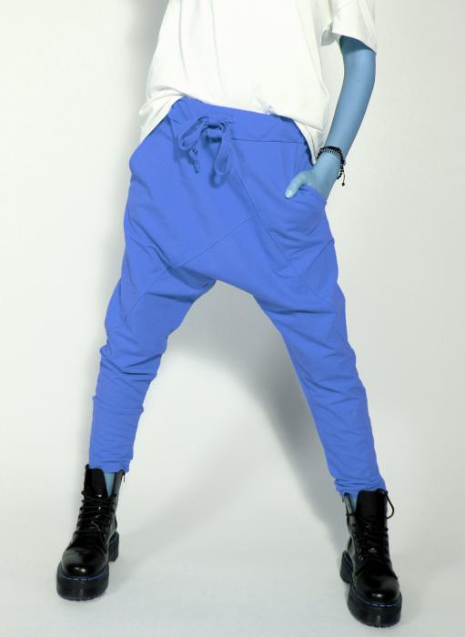 Pantaloni cu tur lasat 3