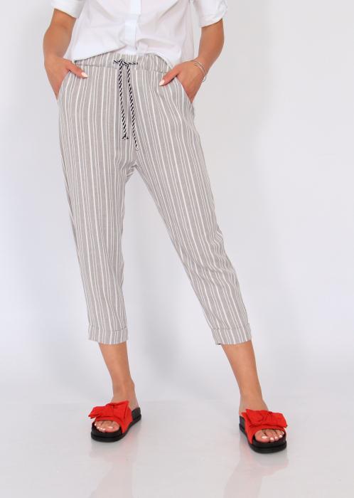 Pantaloni cu dungi fine 4