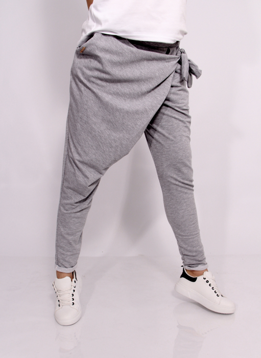 Pantaloni petrecuti in fata. 8