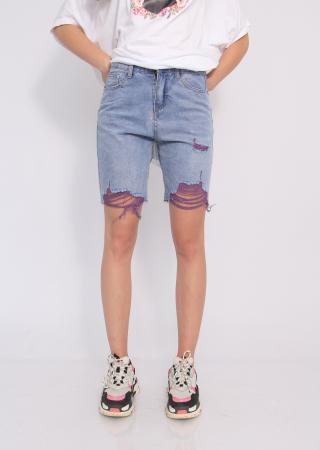 Pantaloni scurti din denim, rupti .0