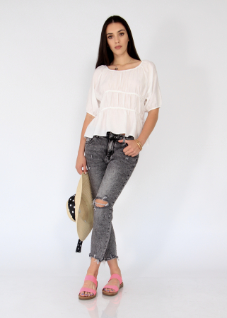 Jeans detaliu rupt, nefinisati.0