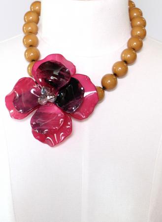 Colier cu floare mare roz1