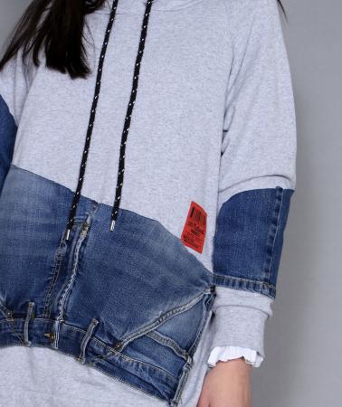 Bluza cu material jeans.5