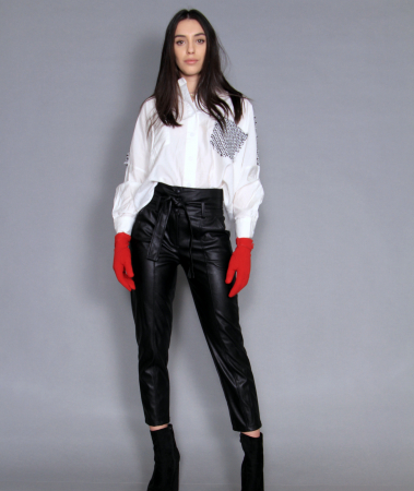 Geaca cu paiete, camasa si pantaloni . [3]