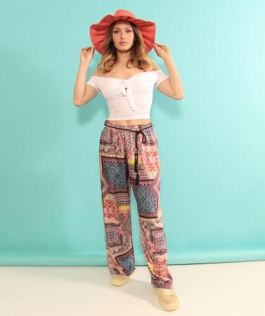 Pantaloni largi cu top. [0]