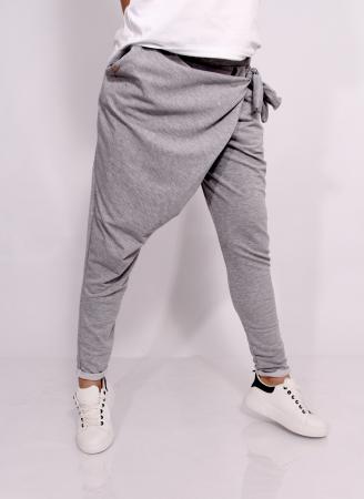 Pantaloni petrecuti in fata.8
